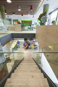 Spoločnosť Microsoft spojila svoje sily so Steelcase avytvorili produktívne miesto pre prácu. Kľúčovým faktorom nie je len získanie informácií ale aj