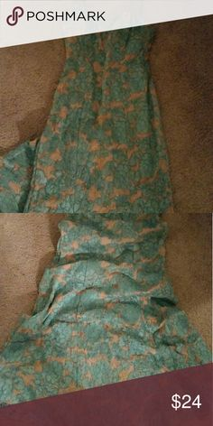 Formal mint and ivory lace dress Size 5/6 floor length  Beautiful and slim fitting Dresses Maxi