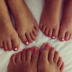 Minnie Mouse Toes - Disney