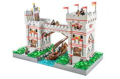 Castle is an evergreen theme: always there, always lovely, always relevant. This beautiful castle gate caught my eye with its bright colors and clean build. The highlight of this build from Milan Skeiz are the minifigures (including the archers), which have custom crocheted coats! He's made quite an elegant attempt at a boat build; I …