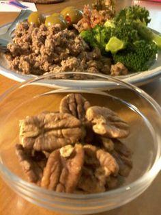 Venison & beef sausage, steamed broccoli, olives, pecans & fermented veggies