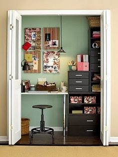 A closet office is an excellent idea, Colorful wall, Space utilization, Small workspace, Home office. Home Office Closet, Closet Desk, Home Office Decor, Closet Space, Room Closet, Office Ideas, Office Nook, Office Hacks, Cozy Office