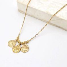 23 MM MADE IN ITALY 0.9 INCHES 18K YELLOW GOLD PENDANT CHARM INITIAL LETTER I