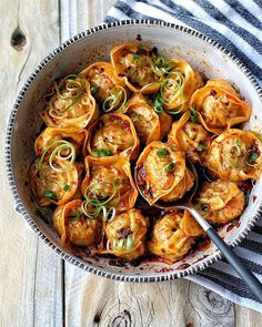 "food-porn-diary: ""Steamed pork dumplings in a sweet chili sauce garnished with ribbons of scallions. Think Food, I Love Food, Steamed Pork Dumplings, Steamed Food, Steamed Shrimp, Asian Recipes, Ethnic Recipes, Dog Recipes, Healthy Recipes"
