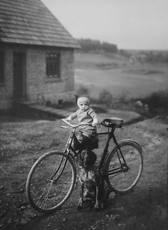 August Sander, Forester's Child, Westerwald 1925