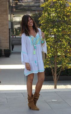 1 Hippie Style, Bohemian Style, Cute Floral Dresses, Moda Boho, Boho Life, Color Combinations, Boho Fashion, Casual, Style Me