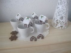 Perníková minichaloupka na hrneček, velikost 5 cm, cena: 35,- Kč Mugs, Tableware, Dinnerware, Tumblers, Tablewares, Mug, Dishes, Place Settings, Cups