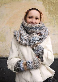 Chunky knit fingerless mittens / fingerless texting gloves / Christmas gift ideas / by Nastiin