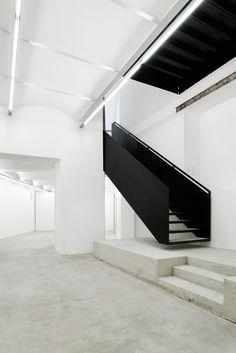 l-e-m-i-n-i-m-a-l-i-s-m-e:  BAWAG Contemporary - Franz Josefs Kai 3 | Architektur: propeller z| Auftraggeber: Christian und Franziska Hausma...