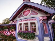 15 Strangest Houses From Around the Globe - By Stuck in Customs