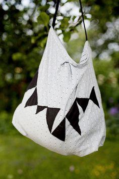 Bags, Fashion, Cloakroom Basin, Handbags, Moda, Fashion Styles, Fashion Illustrations, Bag, Totes