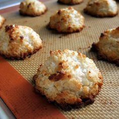 Gluten-free, Dairy-free, Egg-free Coconut Macaroons, I used corn starch and agave syrup. Not as sweet as regular macaroons, but still tasty! Gluten Free Cookies, Gluten Free Baking, Vegan Baking, Gluten Free Desserts, Healthy Desserts, Delicious Desserts, Yummy Food, Tasty, Egg Free Recipes