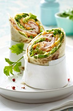 Hottest Pics Wraps with tender ham and mango chutney recipe DELICIOUS Thoughts Today I am going to show you making the common team sandwich. This double decker sandwich is using Avocado Dessert, Clean Eating Snacks, Healthy Snacks, Healthy Eating, Avocado Toast, Avocado Wrap, Tapas, Chutney Recipes, Lunch To Go