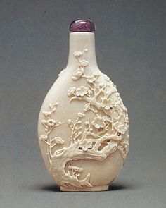 Snuff bottle, carved porcelain, inscribed Wang Bingrong zuo, Seattle Art Museum, Thal Collection. [After Jennifer Chen, Bottles of Delight: The Thal Collection of Chinese Snuff Bottles, (Seattle: Seattle Art Museum, 1998), 17, cat. no. 1.]