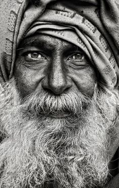 This black and white street portrait by Mark Smart is amazing in its simplicity. No fancy effects, just the portrait of a man whose life is etched on his face. Foto Portrait, Street Portrait, Old Man Portrait, Street Photography, Portrait Photography, Photography Gallery, Family Photography, Photography Tips, Wedding Photography