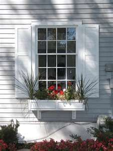 house flower boxes 853432198118969989 - Exterior green paint colors for house window boxes 68 Ideas for 2019 Source by Window Shutters Exterior, Outdoor Shutters, White Shutters, Diy Exterior, House Shutters, Exterior Remodel, Exterior Design, Cedar Shutters, Vinyl Shutters