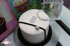 ¿Conoces a alguien que le gusten mucho las joyas de Tous? ¡Seguro que le encantará una tarta como esta! 😍
