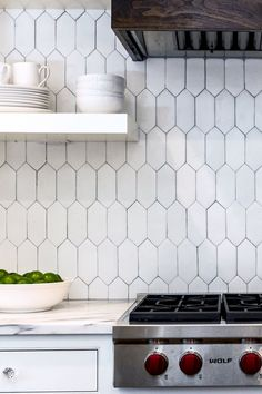 Nice 60 Beautiful Kitchen Backsplash Tile Patterns Ideas https://decorapatio.com/2017/06/16/60-beautiful-kitchen-backsplash-tile-patterns-ideas/