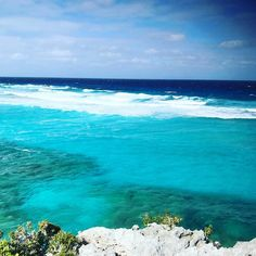 Take a ferry to middle caicos while visiting.