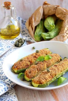 Zucchine ripiene di tonno | Cucinoconpoco.it Freezer Meals, Easy Meals, Cena Light, Pizza Rustica, Good Food, Yummy Food, Vegetarian Lifestyle, Finger Foods, Food To Make