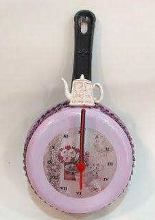 Ateliê Le Mimo: RELÓGIOS  Relógio em frigideira
