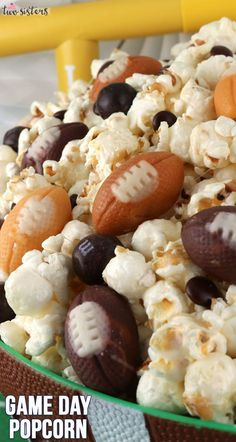 Game Day Popcorn - this sweet and salty dessert is yummy, easy to make and will be very popular at your football game day, tailgating or Super Bowl party. Superbowl Desserts, Football Snacks, Football Recipes, Football Stuff, Super Bowl Party, Game Day Snacks, Game Day Food, Food Porn, Food For A Crowd