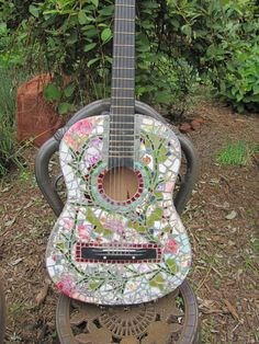 Mosaic Guitar ... Rock and Roll, Shabby Chic, Vintage Floral, Garden Vines - *I would LOVE to make one of these!!!