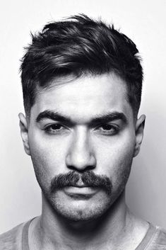 ❤️ Discover the latest mustache styles to finally make your style unique! We've got ideas that will inspire you: chevron, handlebar, pencil-thin, horseshoe, and lots of mens facial hairstyles that work for any face shape are here! The Dallas Mustache Mustache Styles, Beard No Mustache, Handlebar Mustache, Trendy Haircuts, Haircuts For Men, Hairstyles Haircuts, Mens Thin Hairstyles, Vintage Man, Men Hair Styles