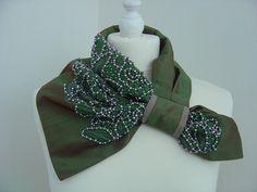 Women's Neck Ties, Kleidung Design, Tie Crafts, Fashion Accessories, Hair Accessories, Collar Designs, Korean Traditional, Diy Necklace, Neck Warmer