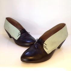 Marsèll black and aqua leather shoe with chunky heel. Size 40. Please call (949)715-0004 for inquiries.