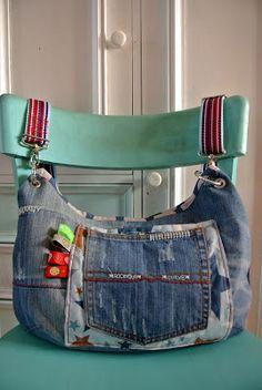Claudis Atelier ♥ gePERLtes ♥ geNÄHtes ♥ geSTICKtes ♥ geBASTELtes ♥ gePLOTTERtes : Endlich ne neue...°°°Tasche ;-)