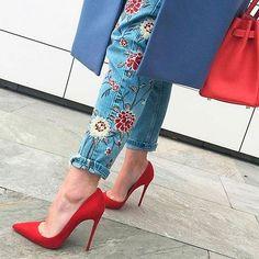 WEBSTA @ lime_official - #Джинсы с высокой посадкой из грубого денима, декорированные вышивкой с цветочными мотивами - соблазнительная женственность в современном прочтении.#look #style #мода #стиль #мода2017 #женскаяодежда #лук #новинка #тренд #limeshop340|7006|55