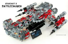 Lego Spaceship - Starcraft II Battlecruiser. This is too EPIC!