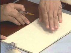 Caixa com craquelê e envelhecimento - Artesanato - Acrilex - YouTube