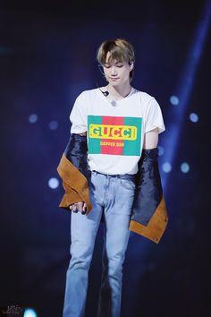 Cre: the owner/as logo Kim Jongin, Kyungsoo, Chanyeol, Ko Ko Bop, Exo Concert, Celebrity List, Dapper Dan, Kim Junmyeon, Look At The Stars
