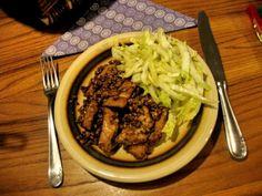 """Hähnchenbrustfiletstreifen mit """"Fruttati-Birne"""" und gerösteten Mandeln Beef, Food, Browning, Pear, Easy Meals, Meat, Essen, Meals, Yemek"""