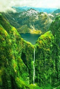 Sutherland falls and lake Quill New Zealand
