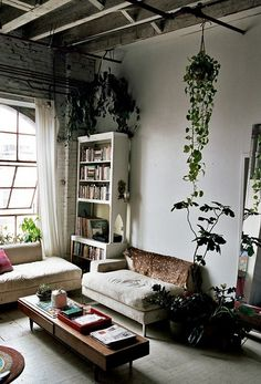 The very bohemian, perfectly decorated home of artist and textile designer Isabel Wilson.
