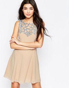 Liquorish | Приталенное платье со свободной юбкой и отделкой на кокетке Liquorish