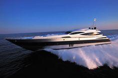 Una embarcación de más de 35 metros de eslora que alcanza una ...