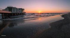 """http://www.hotelsinmarche.com/senigallia  Fred cantava... """" una rotonda sul mare..."""" #Senigallia di Carlo Torelli"""