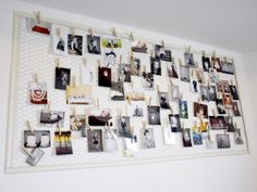 Foto/kaarten/collage wandbord van kippengaas met een lijst eromheen, zo groot te maken als je wilt
