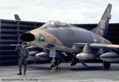 NA D Supersabre, Vietnam era Airplane Fighter, Fighter Aircraft, Fighter Jets, Airplane Art, Us Military Aircraft, Military Jets, Jet Air, Vietnam War Photos, Indochine