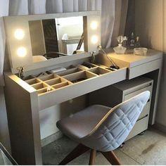 Organization Ideas For The Home Diy Closet House 16 Ideas For 2019 Diy Furniture, Furniture Design, Painting Furniture, Painting Cabinets, Furniture Vanity, Space Saving Furniture, Online Furniture, Modern Furniture, Diy Casa