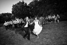 Vrai mariage Marie-Eva et Gaëtan, photo GDGRAPHY: Wedding Photos, Poses, Bride, Animals, Group Shots, Marriage Pictures, Figure Poses, Wedding Bride, Animales