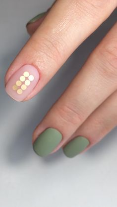 Nail art - 25 Amazing Matte Nail Designs Youll Want to Copy - Everyday matte nails design Nails Gelish, Matte Nails, Polish Nails, Gold Polish, Uñas Diy, Super Nails, Blue Nails, Matte Olive Green Nails, Perfect Nails