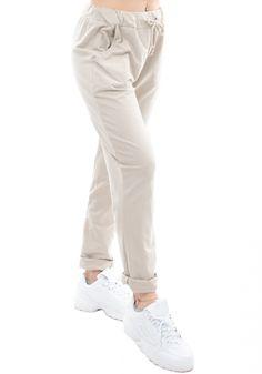 Παντελόνι φόρμαςMiss Pinkyμε κορδόνι και τσέπες. Τοπαντελόνιέχει ζωνάρι με κορδόνι στη μέση και πλαϊνές τσέπες. Είναι ένα sportπαντελόνι