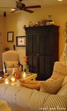 A Pretty Living Room From Sweet Pea Post Cozy Cottage Homes