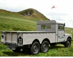 I have never seen a Series I 6 wheeler before this pic Land Rover Serie 1, Land Rover Defender 110, Landrover Defender, Range Rover Off Road, Best 4x4, Offroader, Land Rovers, Peterbilt, Station Wagon
