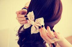 lace hair bow & nails